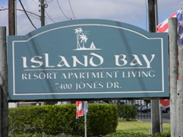island bay apartment and resort